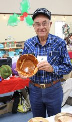 CrossPoint Church holds annual market 110417
