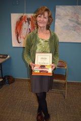 Elise Stuart does book signing 041018
