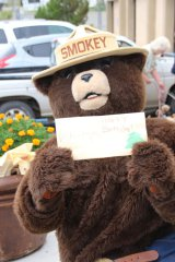Smokey Bear has a 74th birthday party 080918