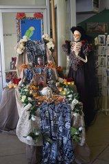 Dia-De-Los-Muertos-Ofrenda-Procession-110219